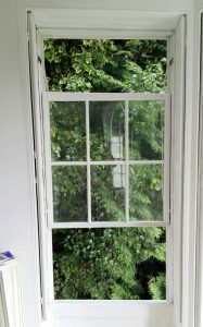 sash window stuck open